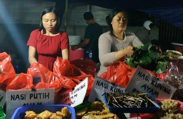 Berburu Nasi Jinggo di Pasar Kreneng