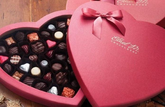 10 Peluang Bisnis Saat Hari Valentine Untuk Menambah Penghasilan Anda